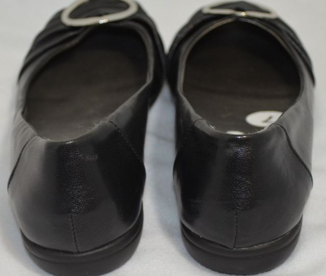 White Mt Mountain Black Flats Shoes Size 7 Nwot