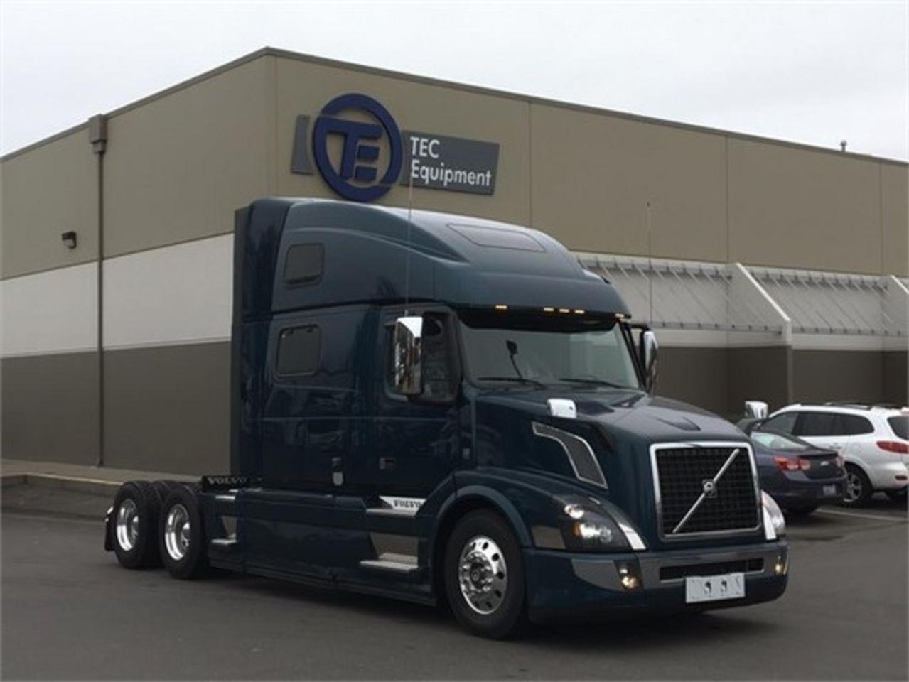 Volvo 680 Truck Interior Sleepers Quizeteer Com