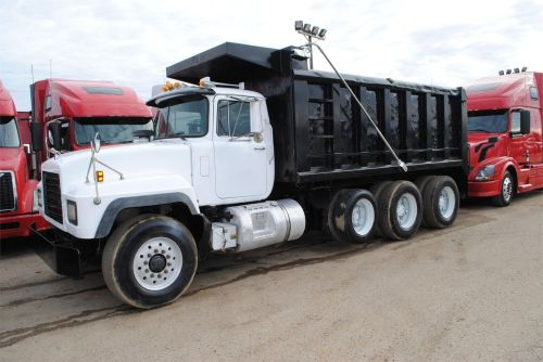 small resolution of 2003 mack rd688s dump trucks