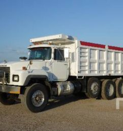 pictures of mack dump trucks [ 1280 x 960 Pixel ]