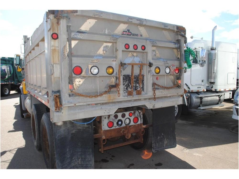 medium resolution of 2002 mack rd688s dump truck