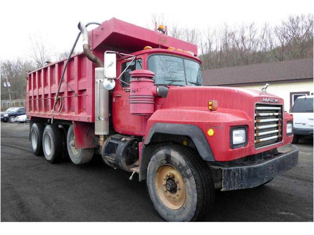 medium resolution of 1995 mack rd690s dump truck