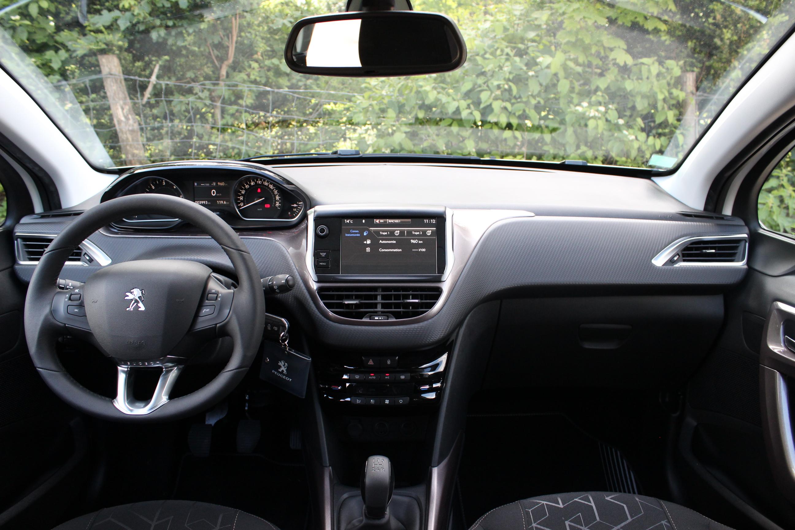 A lintrieur de la Peugeot 2008