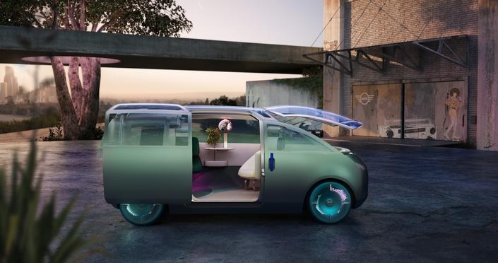 Mini unveils the Urbanaut Vision concept