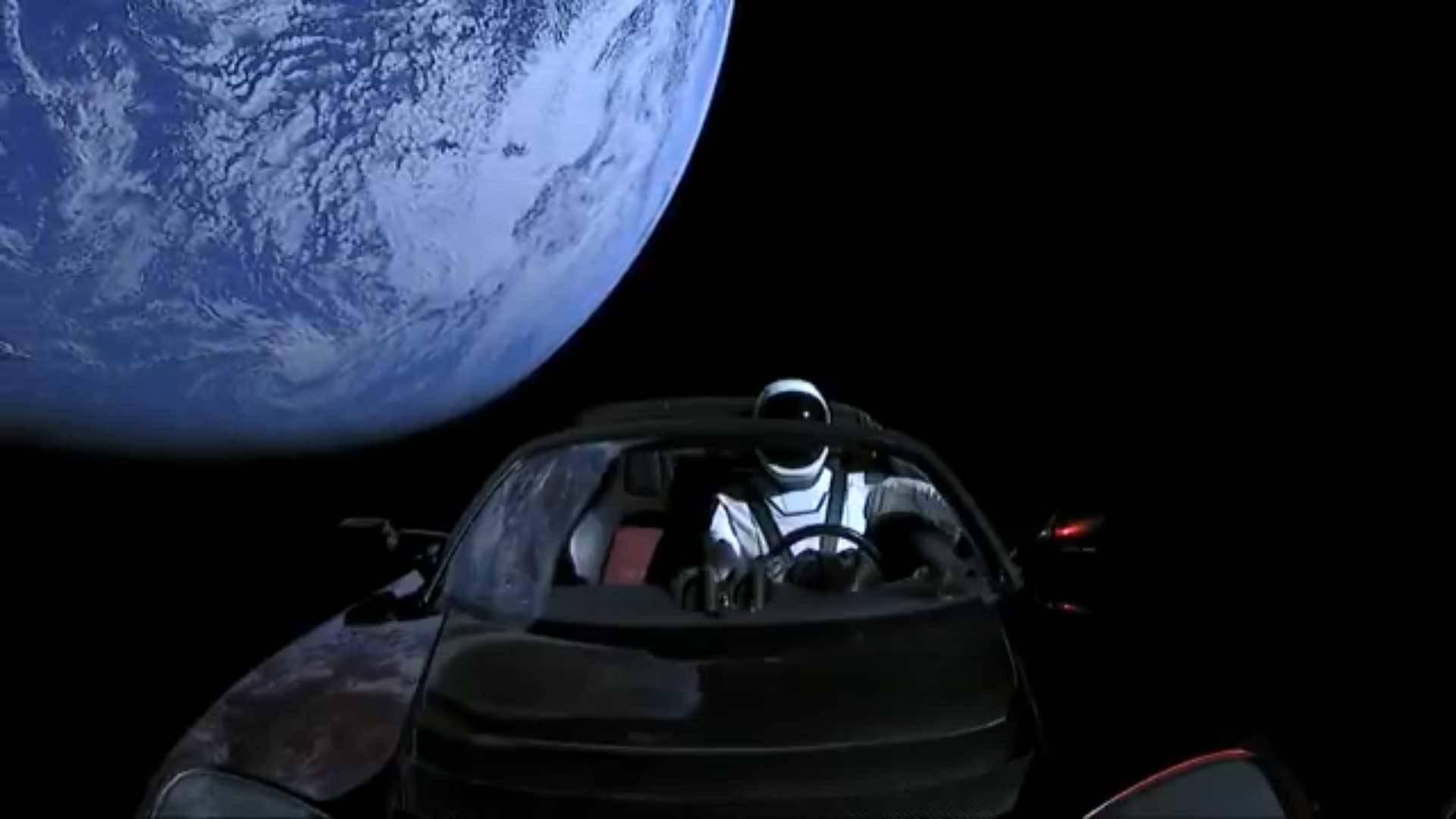 Elon Musk Car In Spac Wallpaper La Nasa Veut Emp 234 Cher L Envoi De Voitures Dans L Espace