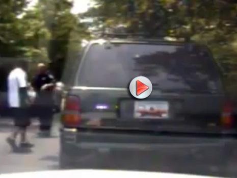 vido Insolite course poursuite  le voleur est dans la voiture de police