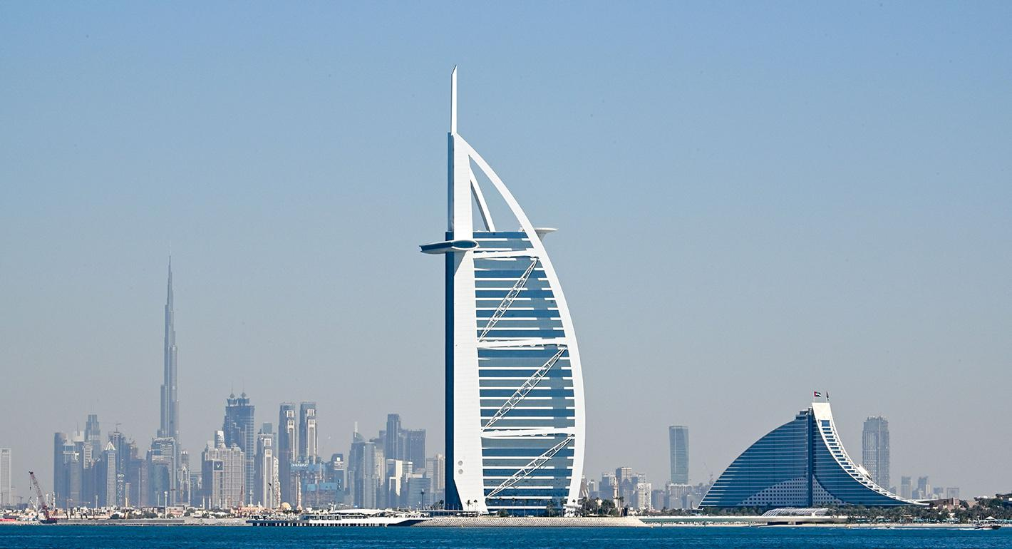 HOW TO TRAVEL AND WORK IN DUBAI LEGALLY FROM NIGERIA