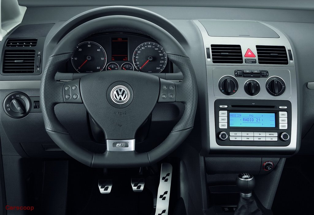 VW Debuts R Line Sport Packs For Golf Touran Passat