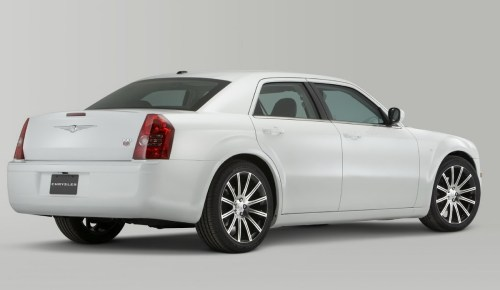 small resolution of w e re still waiting to see if the rumors about a lancia delta badged based chrysler turn out to be true but for the time being chrysler s detroit show