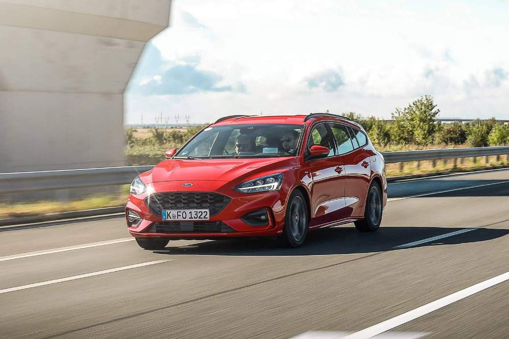 medium resolution of the new focus wagon with the manual transmission will do 0 100 km h 0 62 mph in 10 3 seconds and reach a top speed of 194 km h 121 mph