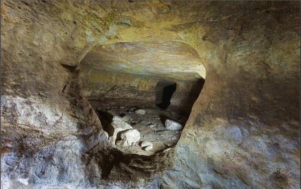 Le grotte scoperte nel Parco di Calaforno (http://catania.liveuniversity.it)