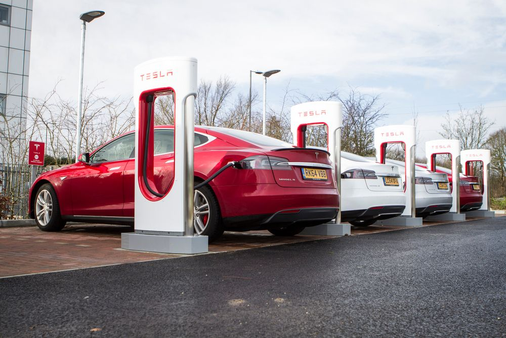 Tesla - The Tesla Model S Apparently Puts Out More Whole-Life Emissions Than A Petrol Supermini - News