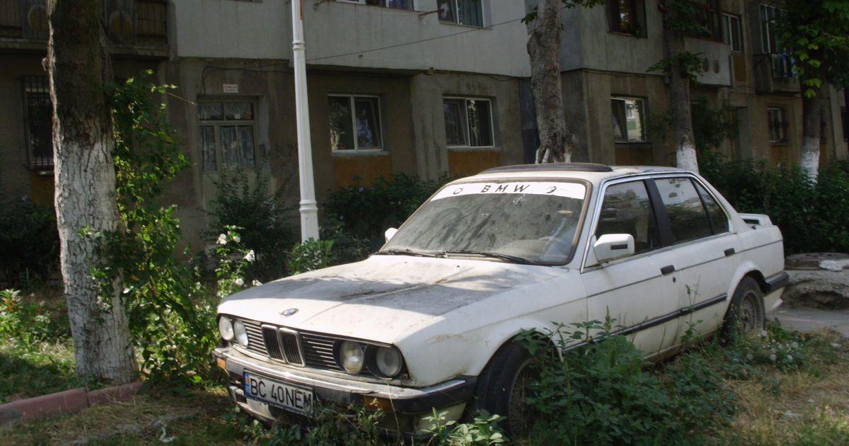 Abandoned Car  Today Bmw E30