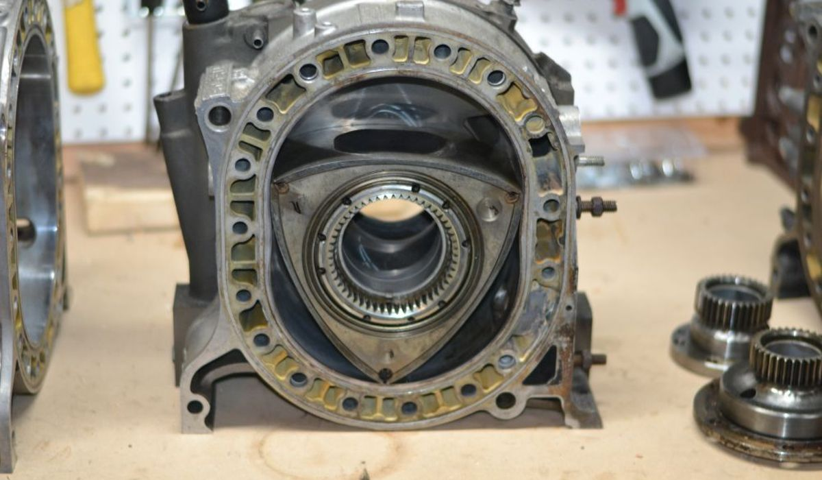 hight resolution of engineering explained why the rotary engine had to die