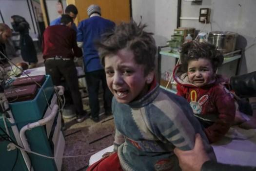 Lapsia hoidettavana sairaalassa Doumassa, itäisessä Ghoutassa.
