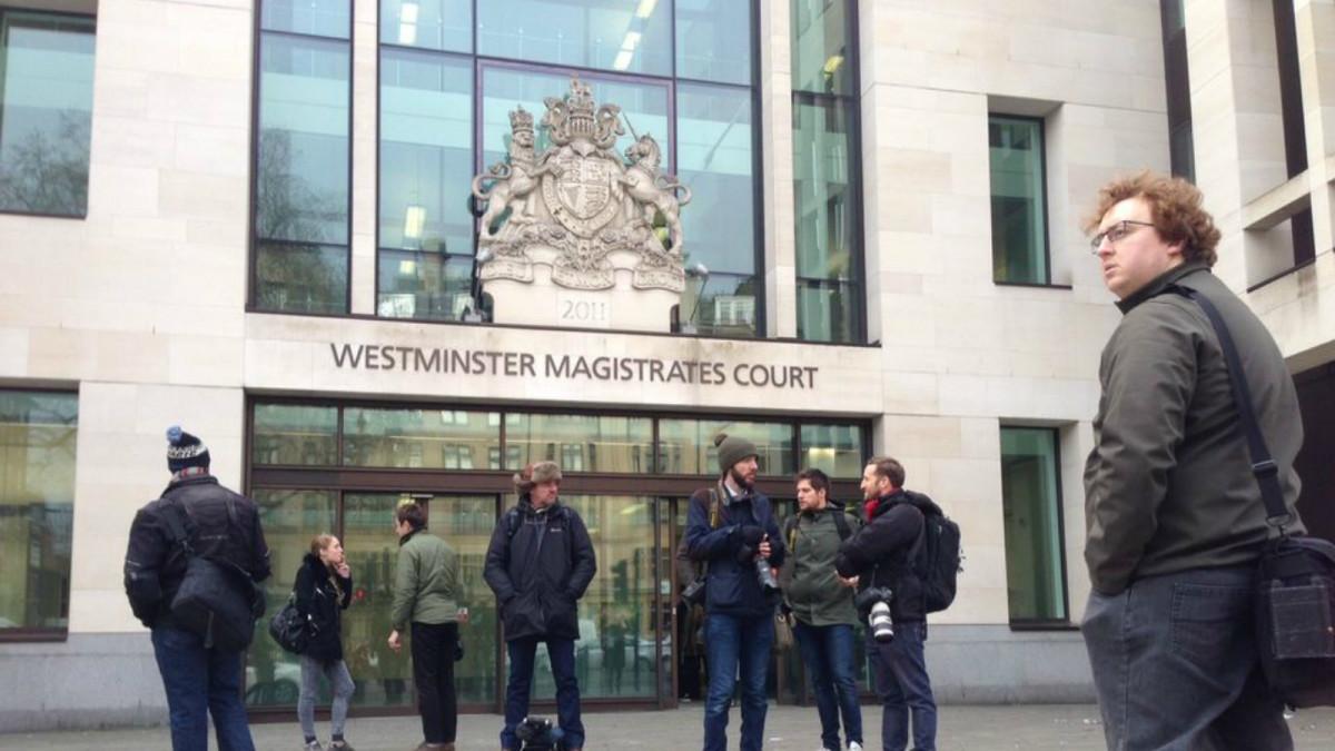 Utanför Westminster Magistrates Court i London.