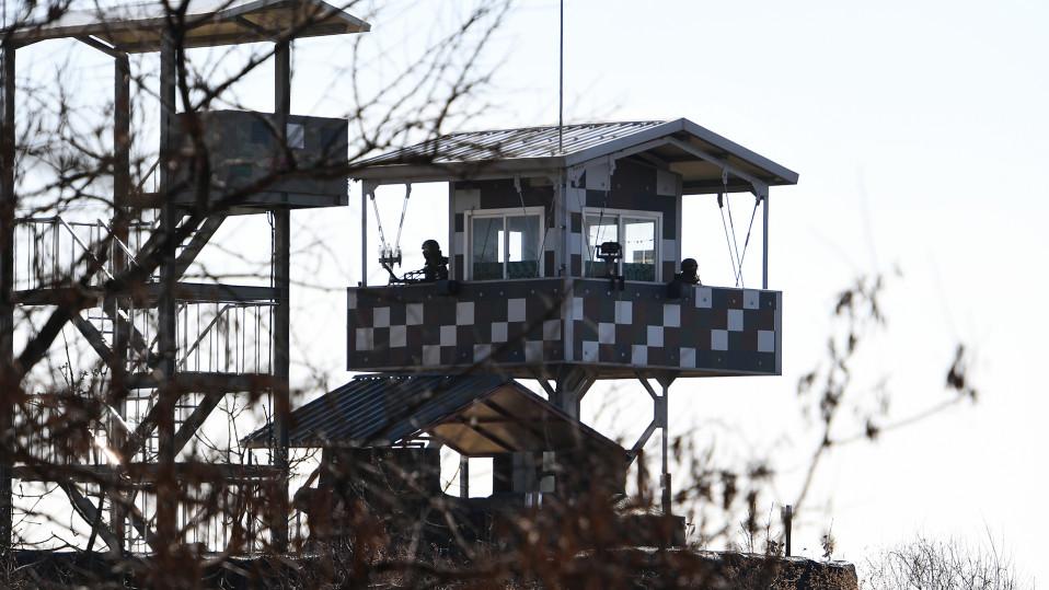 Vartioasema demilitarisoidulla vyöhykkeellä Etelä-Korean puolella.