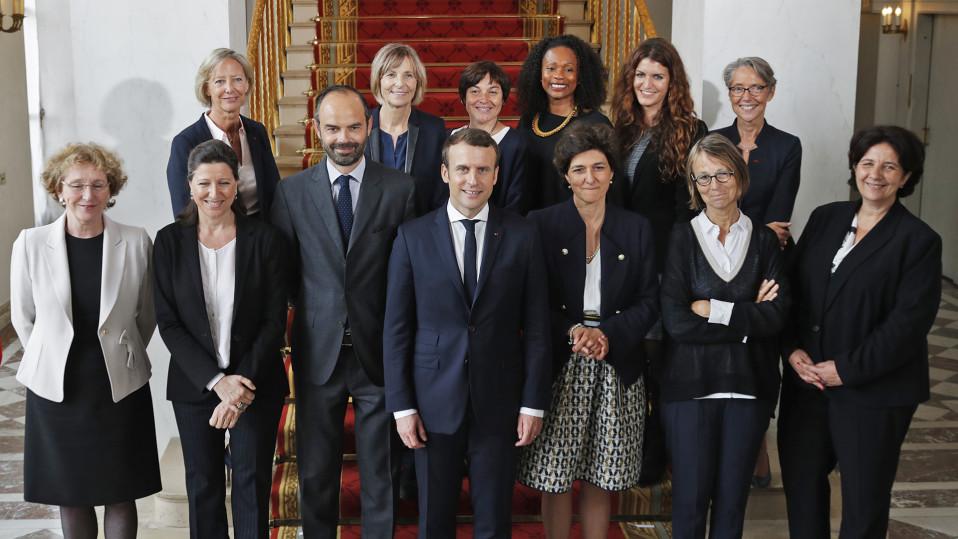 Emmanuel Macron ministereineen.