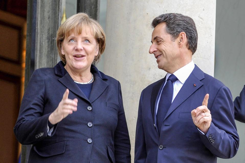 Saksan liittokansleri Angela Merkel ja Ranskan presidentti Nicolas SarkozyPariisissa 5. joulukuuta 2011.