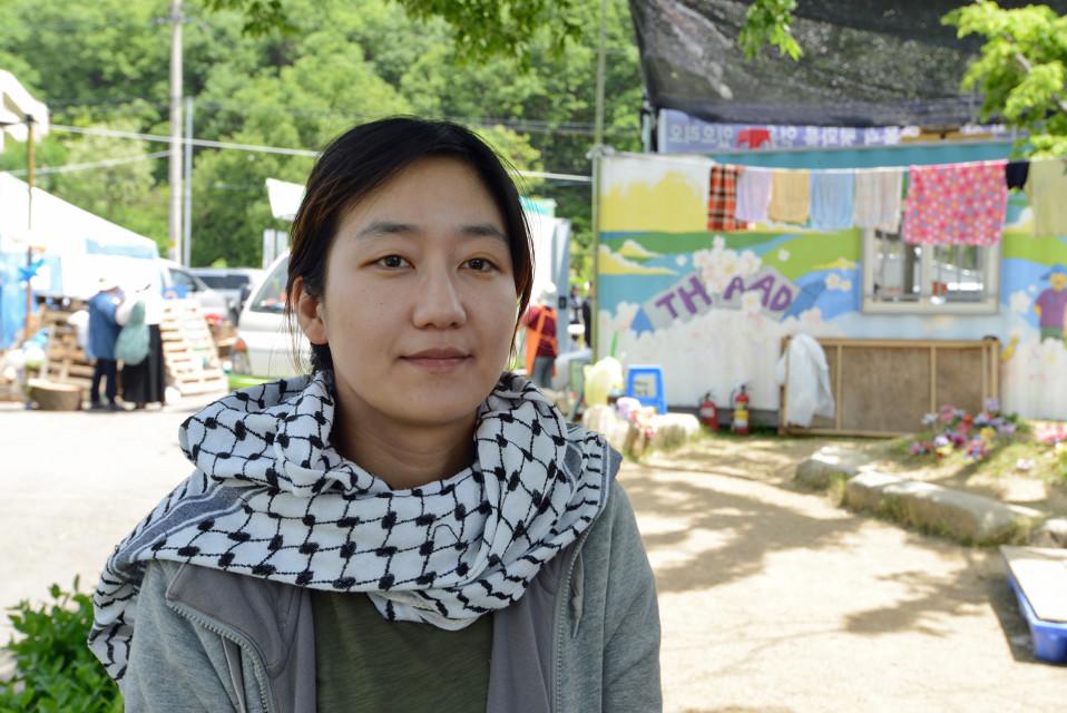Rauhanaktivisti Hwang Soo-youngin mielestä Pohjois-Korean kanssa pitäisi neuvotella ilman torjuntaohjuksia.