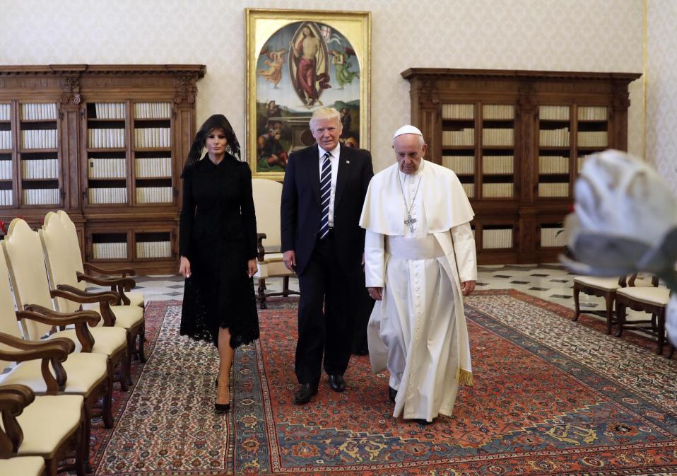 Melania ja Donald Trump tapasivat paavi Franciscuksen Vatikaanissa 24. toukokuuta 2017.