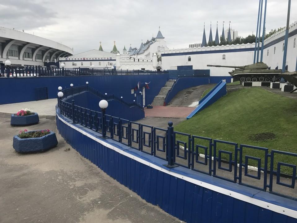 Venäjän asevoimien keskusmuseon alaisuudessa toimiva Stalinin bunkkerimuseo sijaitsee urheilustadionin kyljessä Moskovan laitamilla.