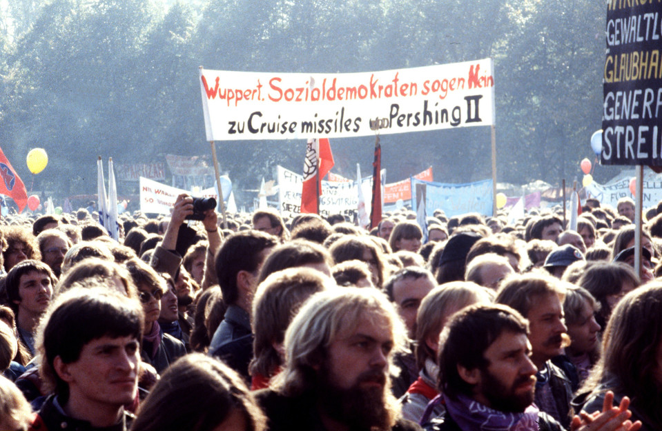 Mielenosoittajia Saksassa 10 lokakuuta 1981.