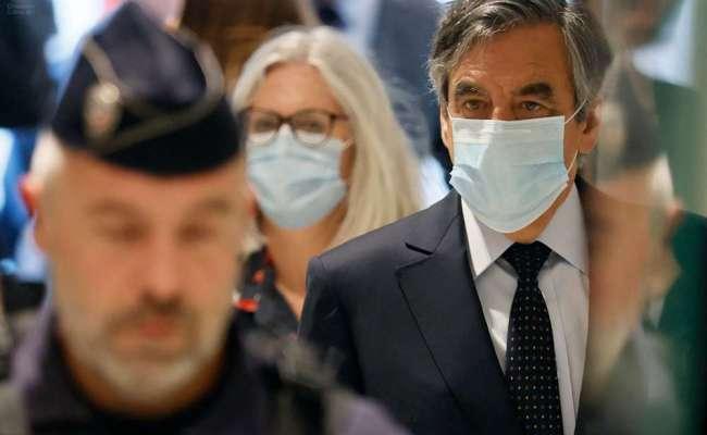 Emplois Fictifs François Fillon Condamné à Deux Ans De
