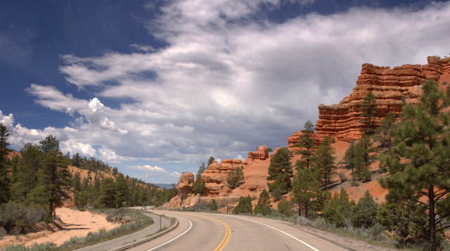 The drive through Red Canyon.