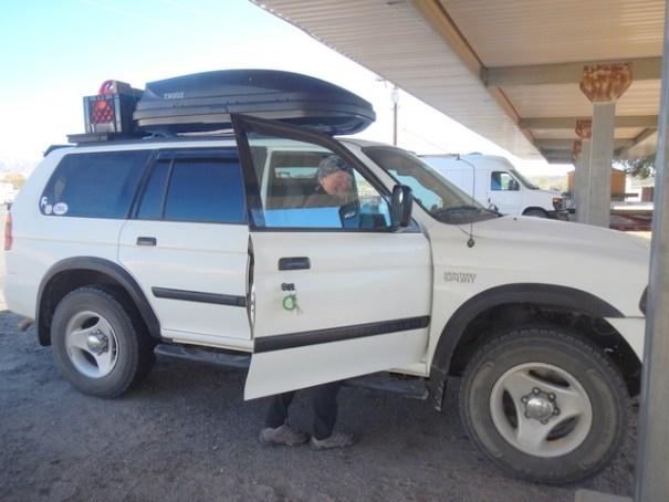 SUV-side-roxie