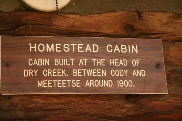 cody-town-homestead-plate