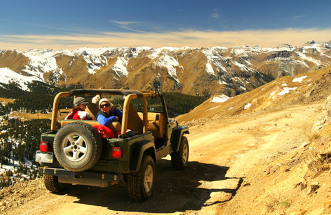 Nearing the top of Engineer Pass.