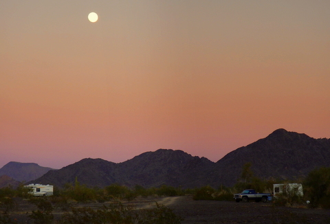 Full moon-rise at RTR 2014.