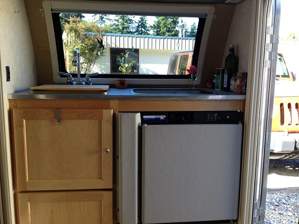 The Tb Has A Fully Functional Little Kitchen