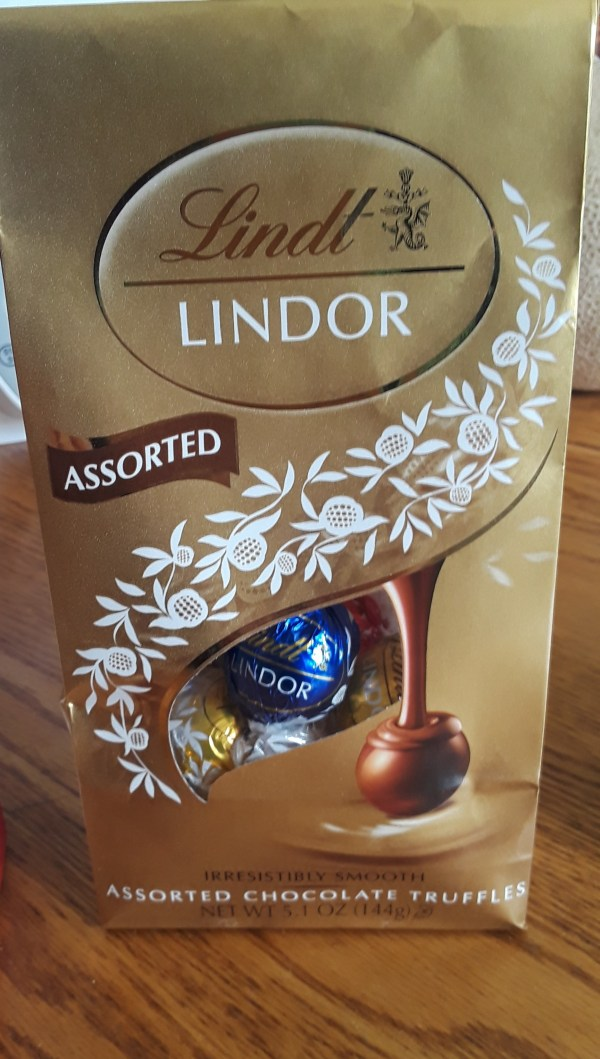 Lindt Lindor Assorted Chocolate Truffles In - Chickadvisor