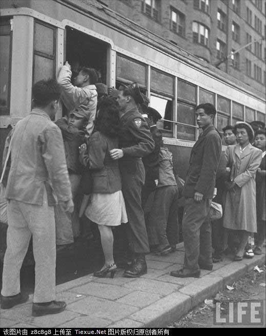 1946年撮影の米兵と日本人女性の愛情_中國網_日本語