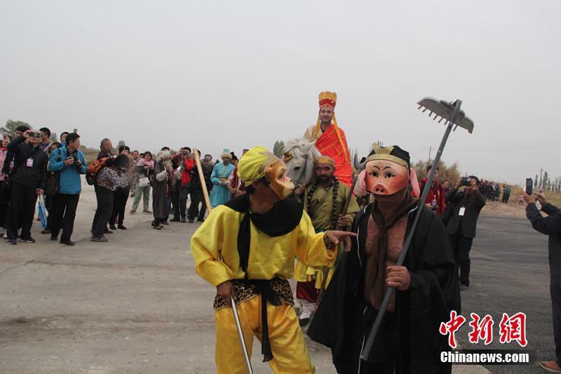 新疆マラルベシ県 唐僧が通ったトムシュクを再現_中國網_日本語