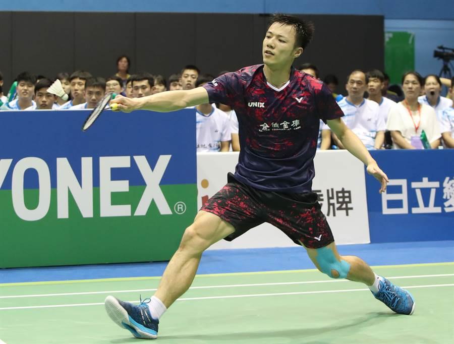 王子维在羽球全团赛男团决赛第5点拿下关键一胜,帮助合库A完成2连霸及队史第14冠。(郑任南摄)
