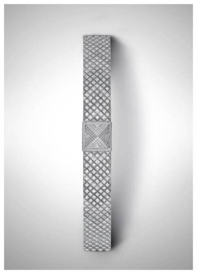 愛馬仕Medor Haute Joaillerie全鑽珠寶表,融入神秘鑽石鑲嵌工藝,1069萬8800元。(HERMES提供)