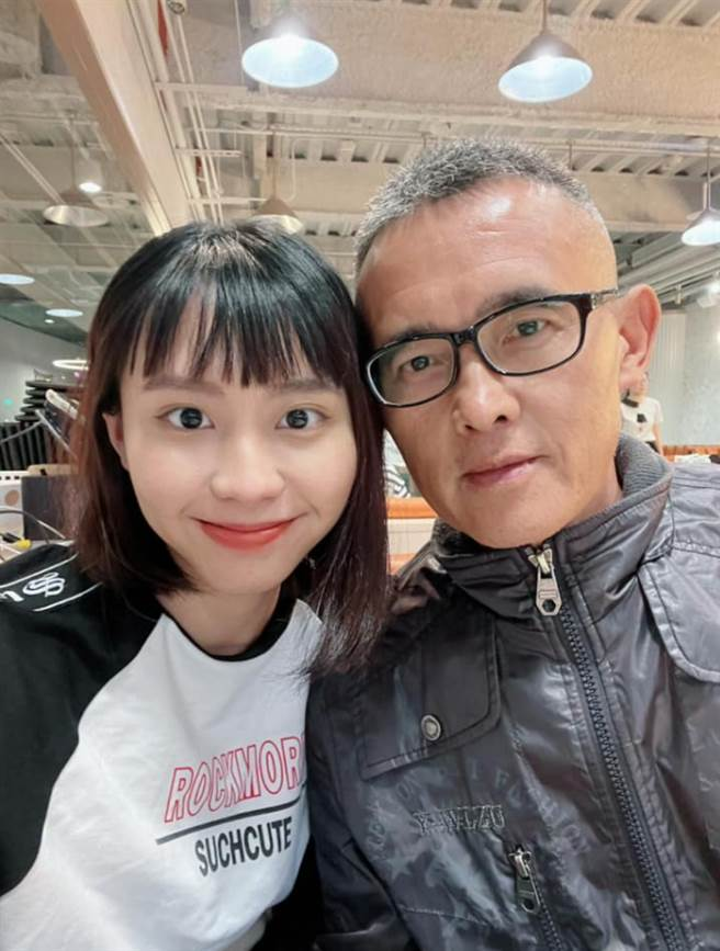 李芷婷和父母親感情好,也出了名孝順。(圖/ 摘自李芷婷臉書)