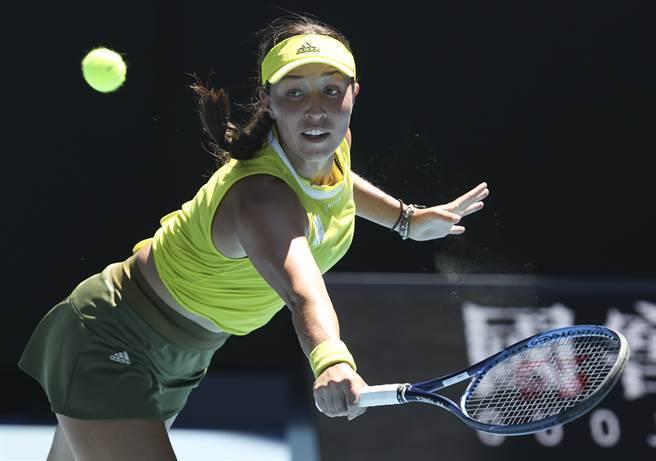 佩古拉敗給好友,無緣首度晉級澳網女單4強。(美聯社)