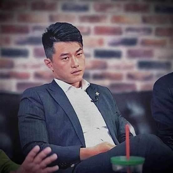 陈百维在傻眼的批评中将Q药剂师从Q总部撤职:对自己的政治感觉太好了-中国时报