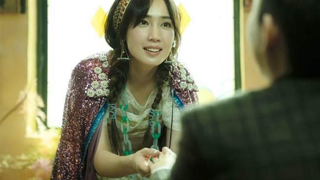 小薰在《揭大歡喜》扮演「塔羅牌仙女」。(海鵬提供)