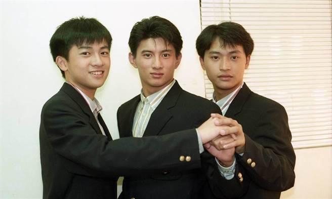 蘇有朋(左起)、吳奇隆和陳志朋以男團「小虎隊」風靡一時。(圖/本報系資料照片)
