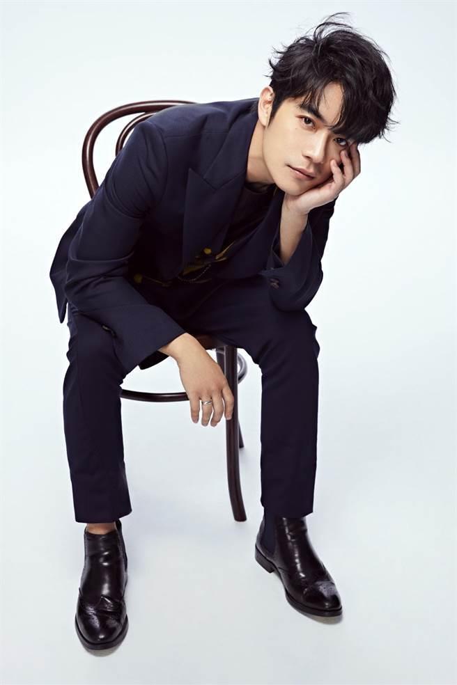 劉家凱推出首支單曲〈別像個男人〉(環球音樂提供)