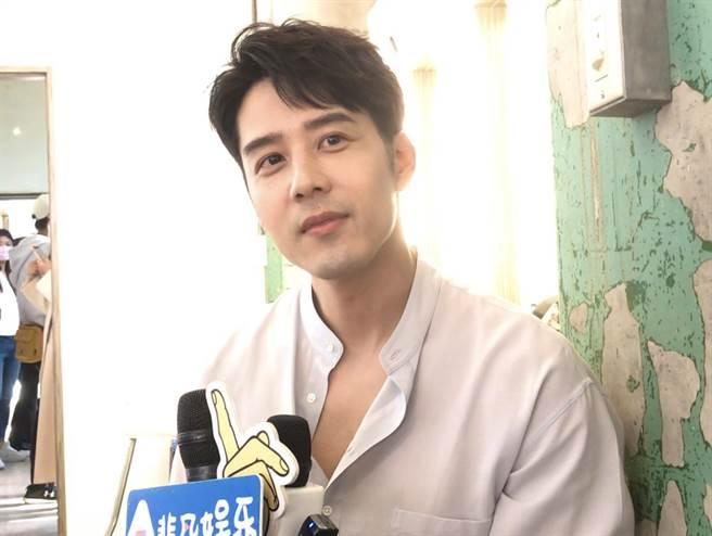 胡玉伟参加维修品牌认可会议后接受了采访。  (林书娟摄)