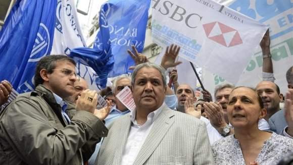 Golpe a las arcas del sindicalismo K: el Gobierno recortó aportes a La Bancaria