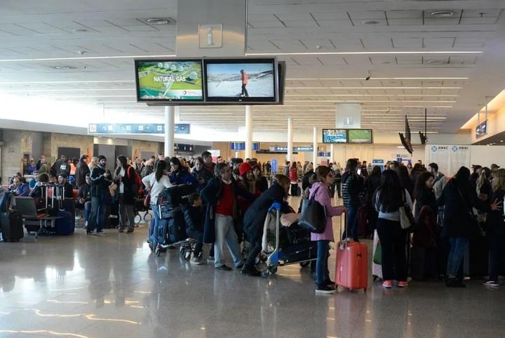 Los aeropuertos deberán ofrecer Wi-Fi gratis y de calidad