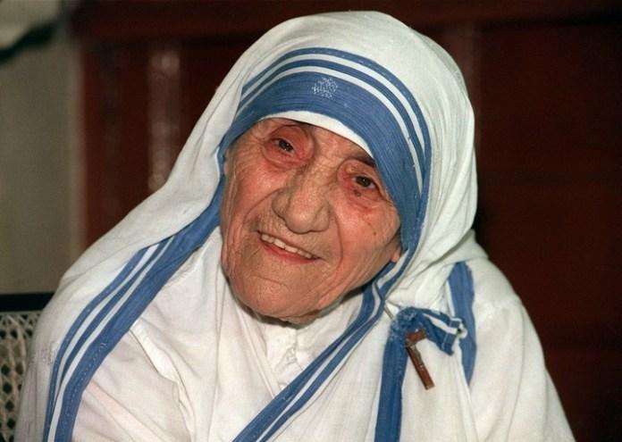 La Madre Teresa en Calcuta, India, en 1995. Fue canonizada.