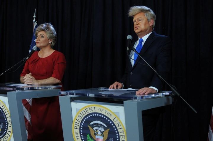 """Imagen de archivo. Imitación de Hillary Clinton y Donald Trump, en la piel de Sebastián Almada y Roberto Peña, en """"ShowMatch"""" (El Trece). / Ideas del Sur."""